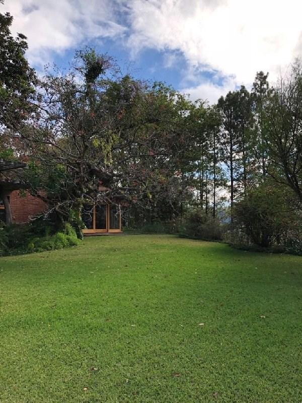 Remax real estate, Guatemala, Guatemala City, VENDO HERMOSA CASA CON AMPLIO TERRENO EN ZONA 13 ELGIN II