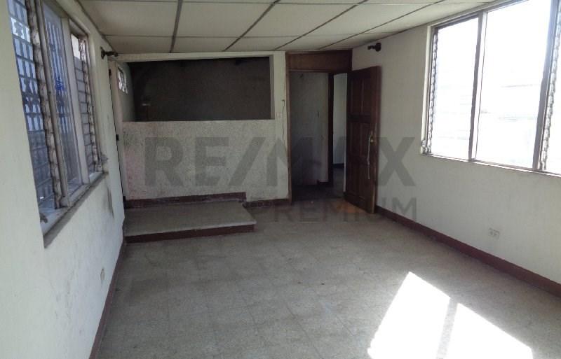 Remax real estate, Guatemala, Guatemala City, VENTA DE CASA EN ZONA 1 CON 300MTS DE CONSTRUCCIÓN