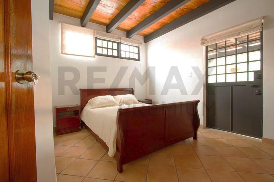 Remax real estate, Guatemala, Guatemala City, VENTA DE HERMOSA Y AMPLIA CASA CON APARTAMENTO INDEPENDIENTE EN ANTIGUA GUATEMALA