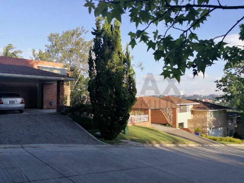 Remax real estate, Guatemala, Guatemala City, ALQUILER DE CASA EN LAS LUCES CON AMPLIO JARDÍN