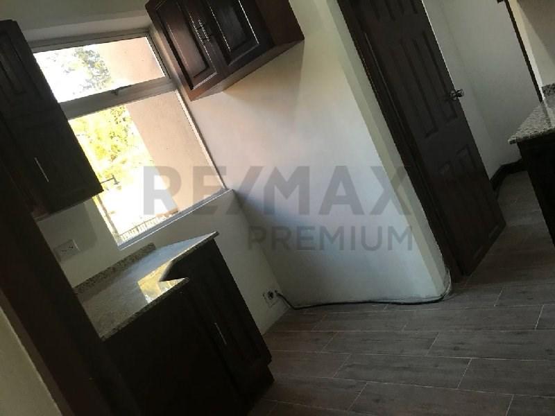 Remax real estate, Guatemala, Guatemala City, ALQUILER DE APARTAMENTO REMODELADO EN EDIFICIO ZONA 15 CON 2 NIVELES Y 3 DORMITORIOS