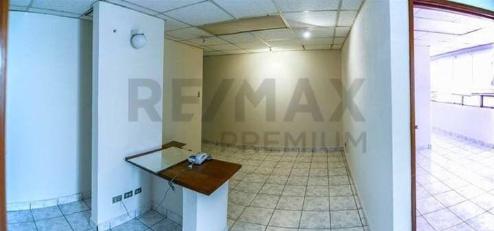 Remax real estate, Guatemala, Guatemala City, ALQUILER DE CLÍNICA MEDICA EN ZONA 10 CON 60MT2 DE CONSTRUCCIÓN