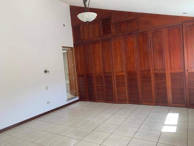 Remax real estate, Guatemala, Guatemala City, VENDO CASA ZONA 16 VISTA HERMOSA IV BONITA Y CON SEGURIDAD