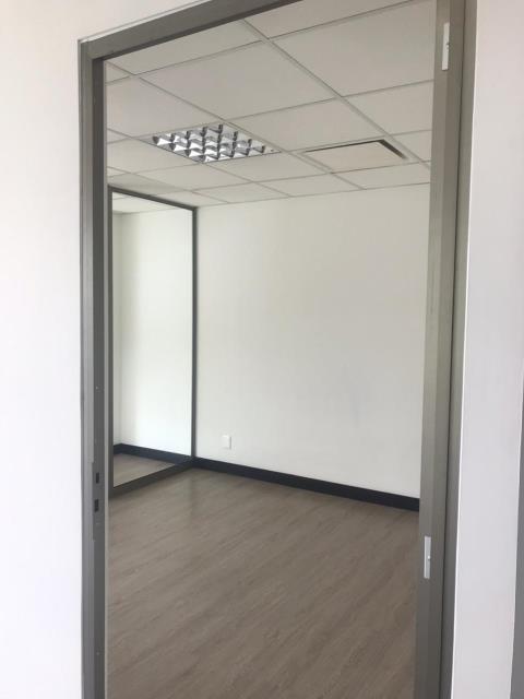 Remax real estate, Guatemala, Guatemala City, ALQUILO OFICINA ZONA 10 TORINO EN EXCELENTE UBICACIÓN