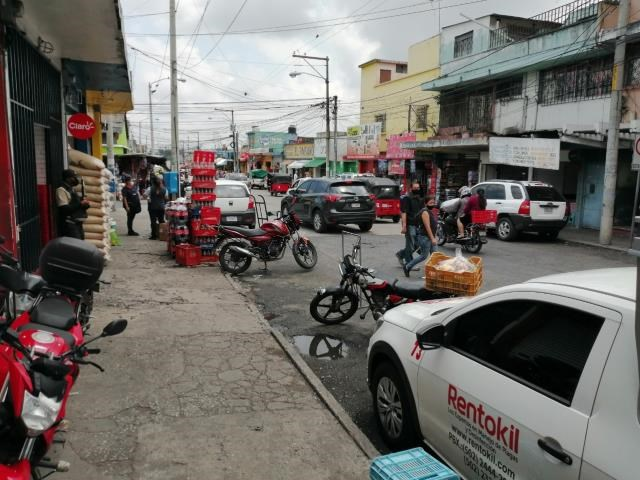 Remax real estate, Guatemala, Zona 06, VENDO BODEGA ZONA 06 A MEDIA CUADRA DEL MERCADO LA PARROQUÍA CON TRES LOCALES COMERCIALES