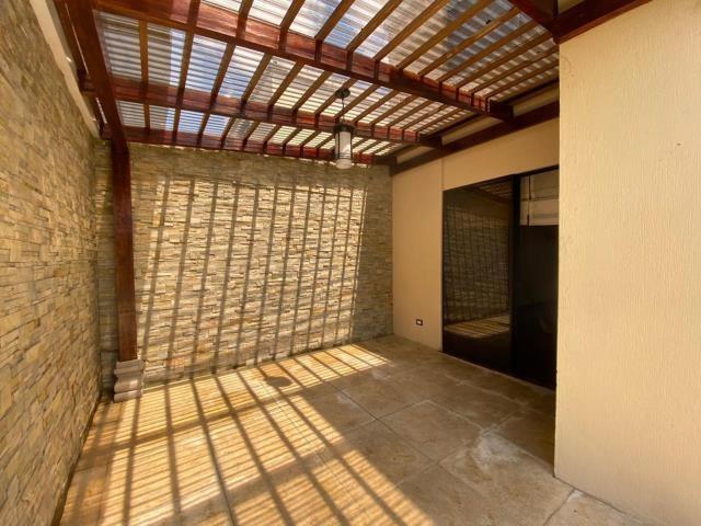 Remax real estate, Guatemala, Guatemala City, ALQUILO CASA ZONA 10 DE TRES DORMITORIOS Y LINDA TERRAZA