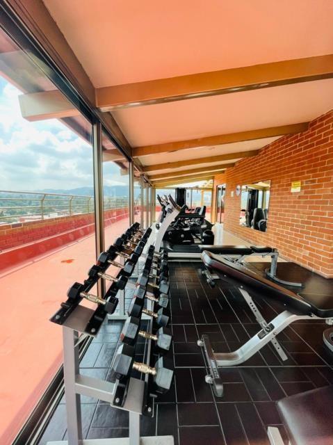Remax real estate, Guatemala, Guatemala City, ALQUILO APARTAMENTO ZONA 14 LA VILLA DE TRES DORMITORIOS Y DORMITORIO DE SERVICIO