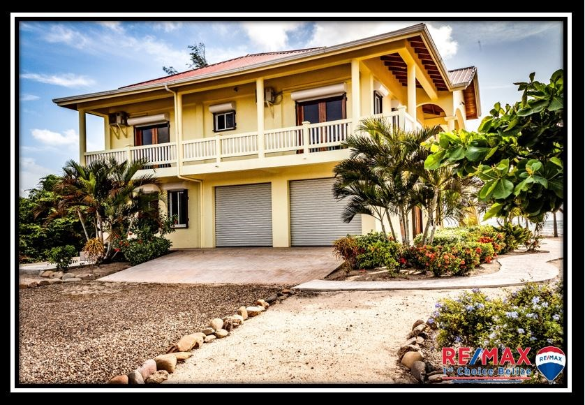 Remax real estate, Belize, Hopkins, H3601 - Beautiful Landscaping, Great Curb Appeal, Gourmet Home