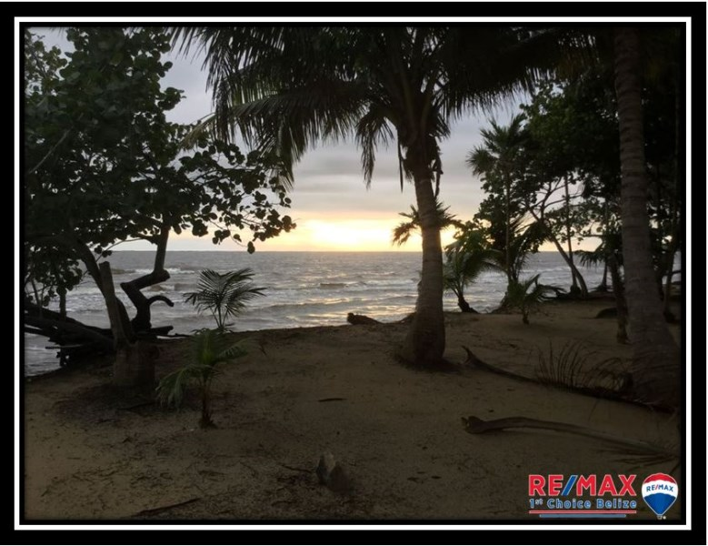 Remax real estate, Belize, Hopkins, L3659