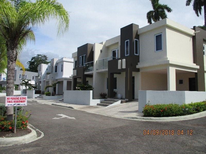 RE/MAX real estate, Jamaica, Montego Bay, Peters Ave St. James Montego Bay