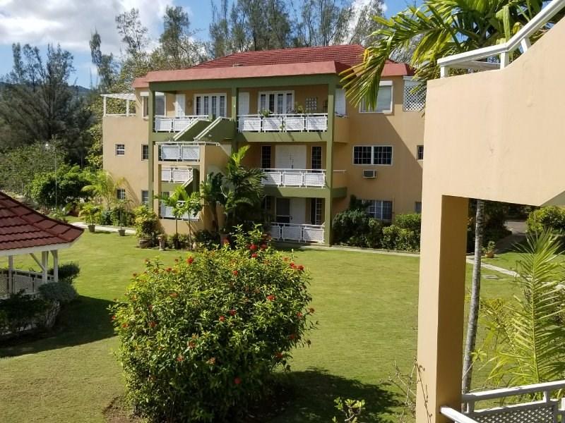 RE/MAX real estate, Jamaica, Montego Bay, Alice Eldermire St. James Montego Bay