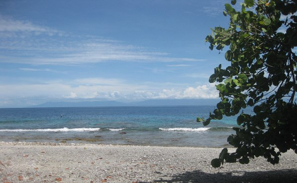 Remax real estate, Honduras, Utila, 0.42 Acre Beachfront at Mariners Landing (Lot #B-2)