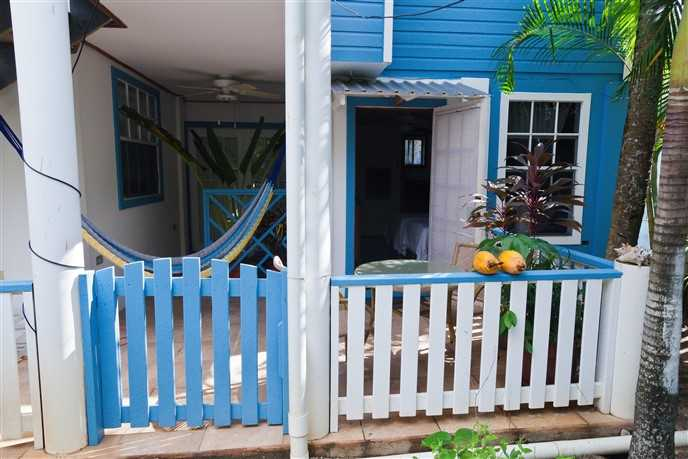 Remax real estate, Honduras, Utila, Lazy Daze on the Bay