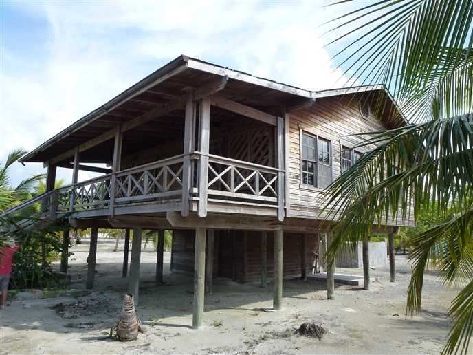 Remax real estate, Honduras, Utila, Holland Beach House