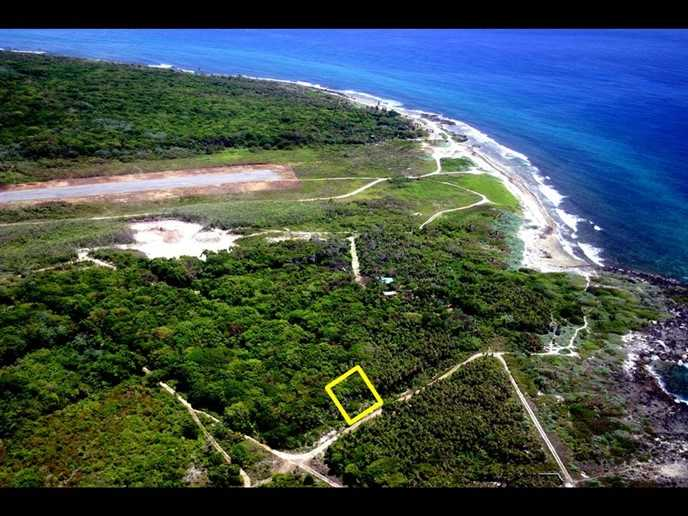 Remax real estate, Honduras, Utila, Steps from the Sea at Cliff Club