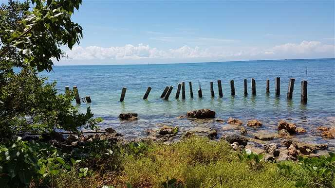 Remax real estate, Honduras, Utila, Sandy Bay Ocean Front
