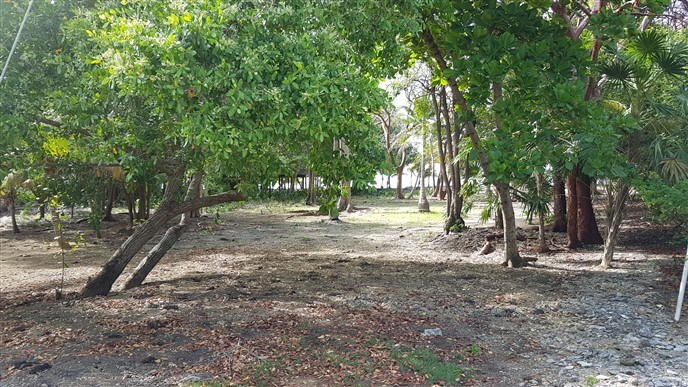 Remax real estate, Honduras, Utila, Ocean Front Lot with Boat Slip at Silver Garden