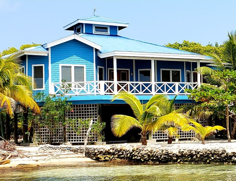 Remax real estate, Honduras, Utila, The Sunset Home at Jonathan Point