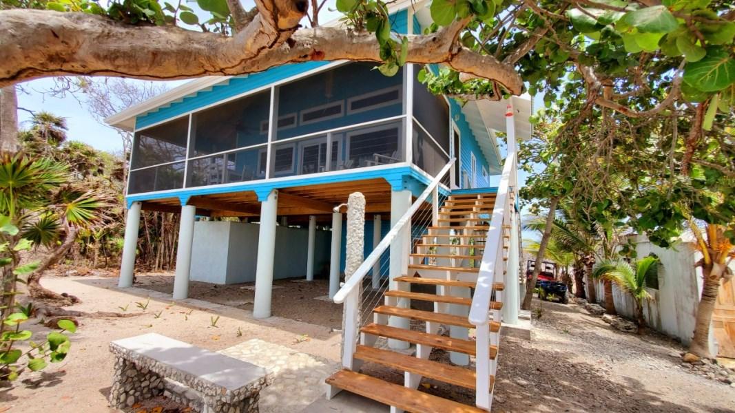 Remax real estate, Honduras, Utila, Azure Beach House
