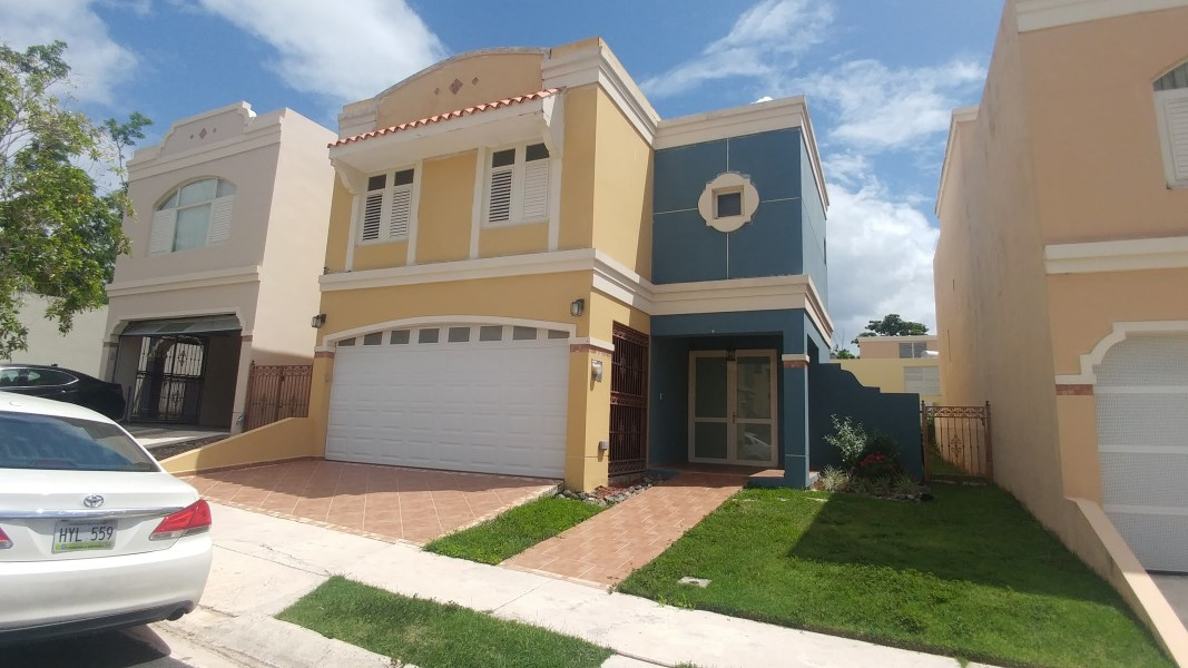 RE/MAX real estate, Puerto Rico, Trujillo Alto, Urb. Andreas Court
