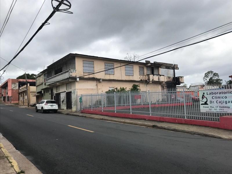 RE/MAX real estate, Puerto Rico, URB Hnas Davila, Casa en Calle Comerio, Bayamon