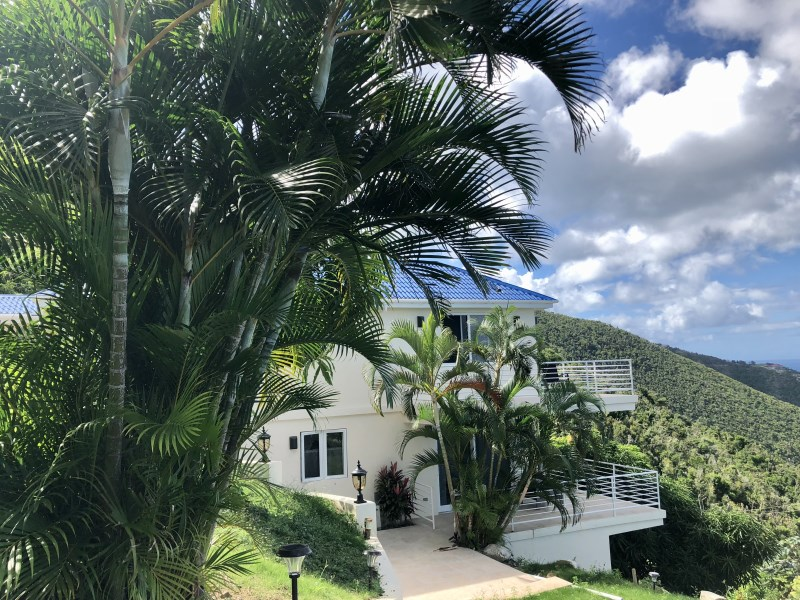 RE/MAX real estate, British Virgin Islands, Georges North Side, Immaculate 4 or 5 bedroom standalone alone house available now for rent or buy