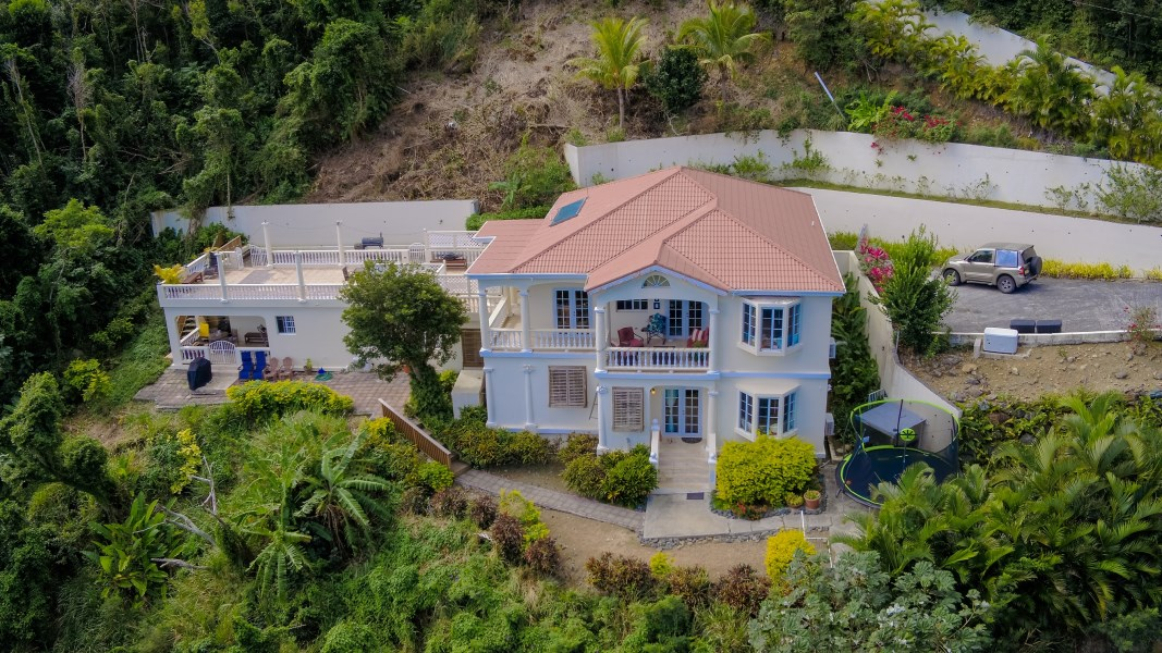 RE/MAX real estate, British Virgin Islands, Nanny Cay, Best of both world: five bed on almost 3 acre of land for family home or investment property
