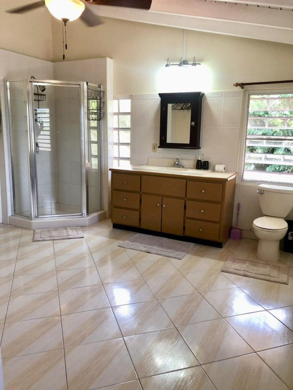 RE/MAX real estate, British Virgin Islands, Road Town, 3 bed apartment just above town available now.