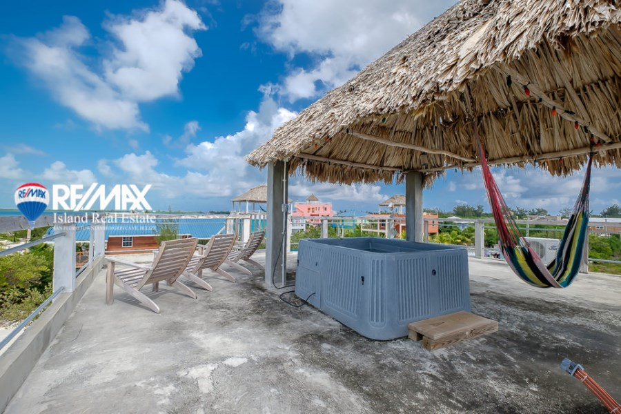 Remax real estate, Belize, Caye Caulker, Rooftop Spa with Western Bay View!