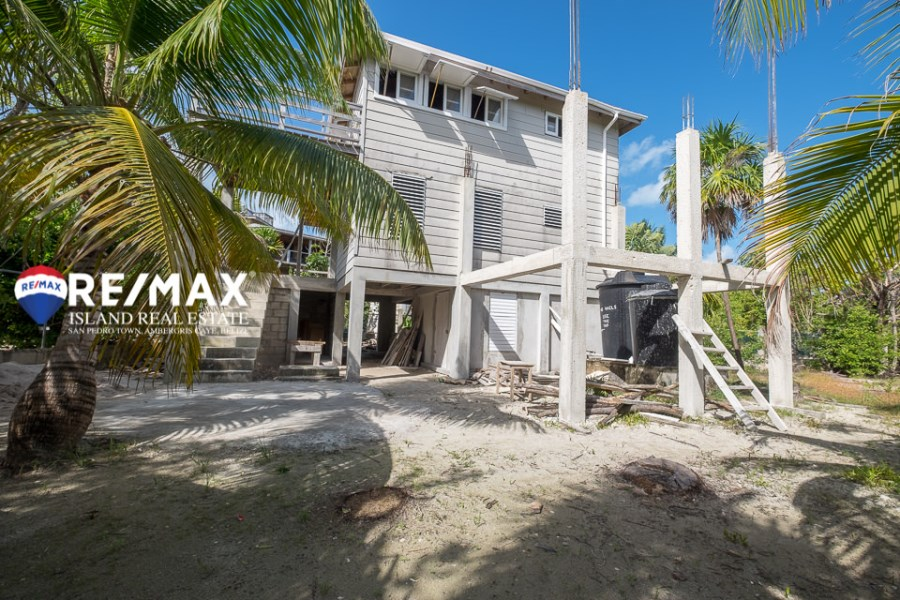 Remax real estate, Belize, Caye Caulker, South Point Home with Sea Views