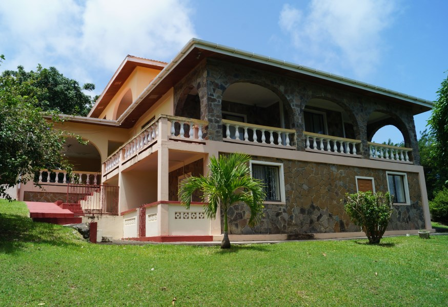 RE/MAX real estate, Saint Vincent and the Grenadines, Calliaqua, GOLDENVALE  FAMILY HOME