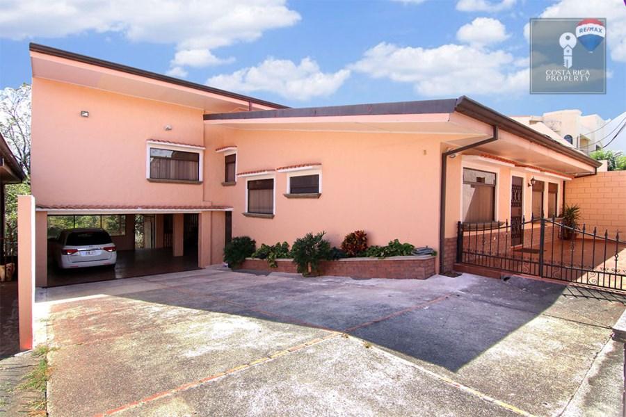 Remax real estate, Costa Rica, Escazú - San Rafael de Escazú - Guachipelín, Partially Renovated Home, Guachipelin 4 Bedroom + Independent Apartment