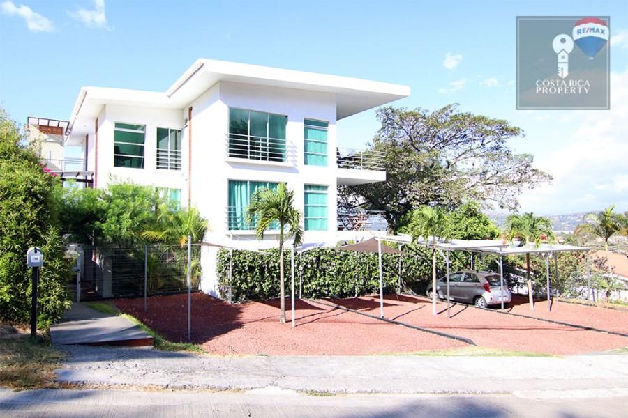 Remax real estate, Costa Rica, Santa Ana - Río Oro de Santa Ana, Garden Apartment - Stunning Valley Views 2 bedrooms European style