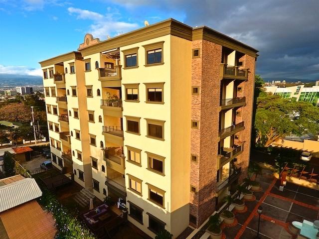Remax real estate, Costa Rica, Escazú - San Rafael de Escazú, FOR SALE by REMAX beautiful and chic three-bedroom condo in San Rafael de Escazu