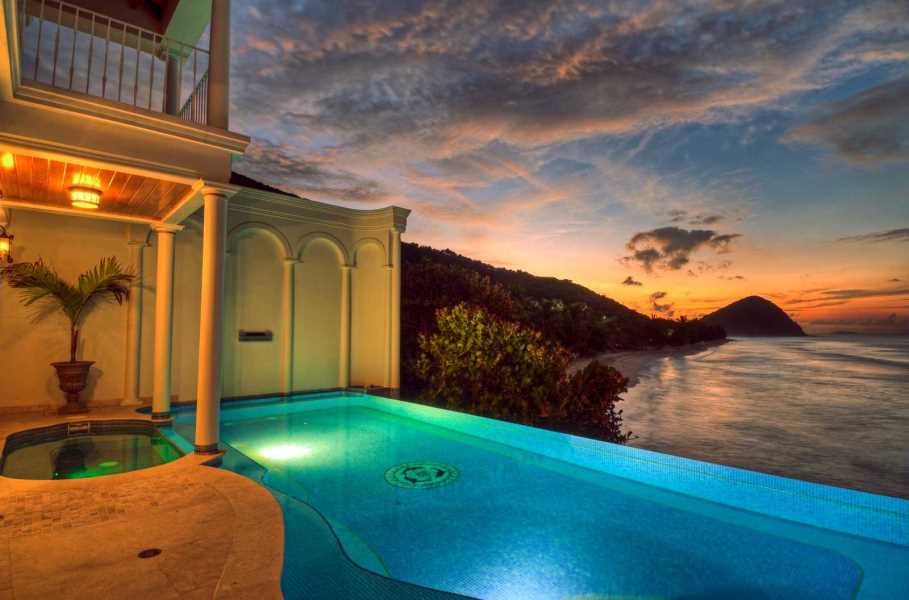 RE/MAX real estate, British Virgin Islands, West End, 6-br Beachfront Villa w/ Pools (+ Rental Income) [HS-652]