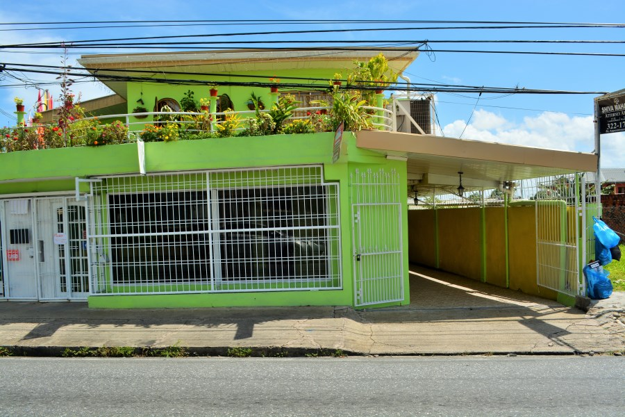 RE/MAX real estate, Trinidad and Tobago, Arima, Pro Queen Street Arima Commercial Unit