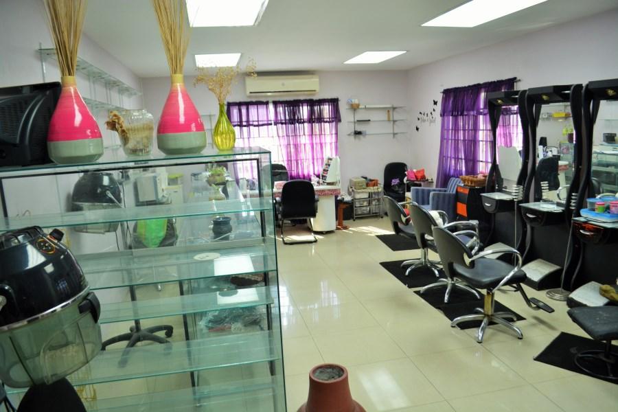 RE/MAX real estate, Trinidad and Tobago, Dabadie, Commercial Unit - EMR D'Abadie