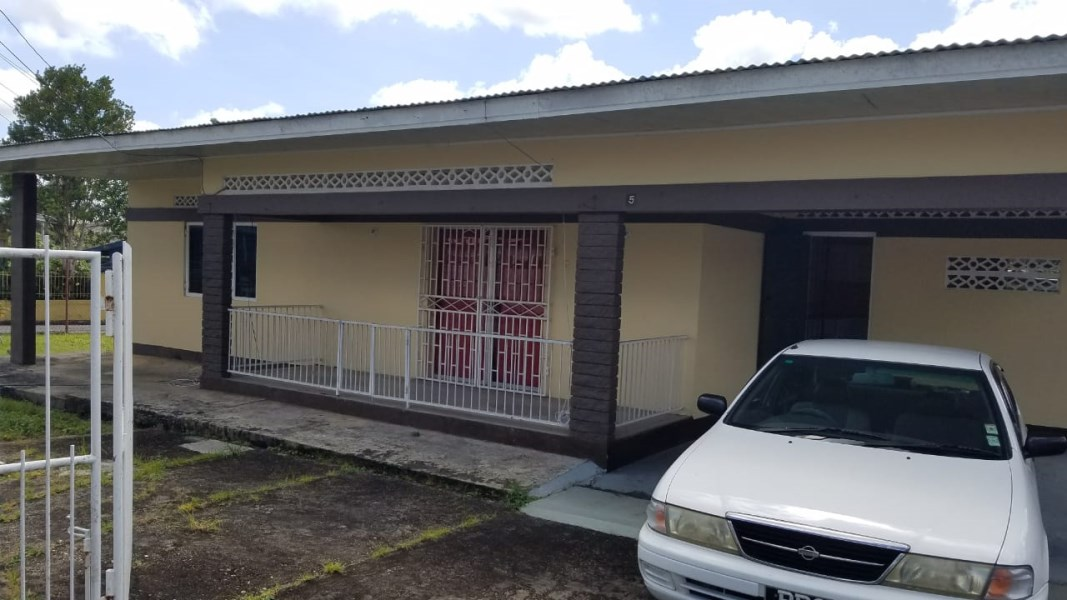 RE/MAX real estate, Trinidad and Tobago, Arima, FOR RENT: Arima 3 Bedroom House
