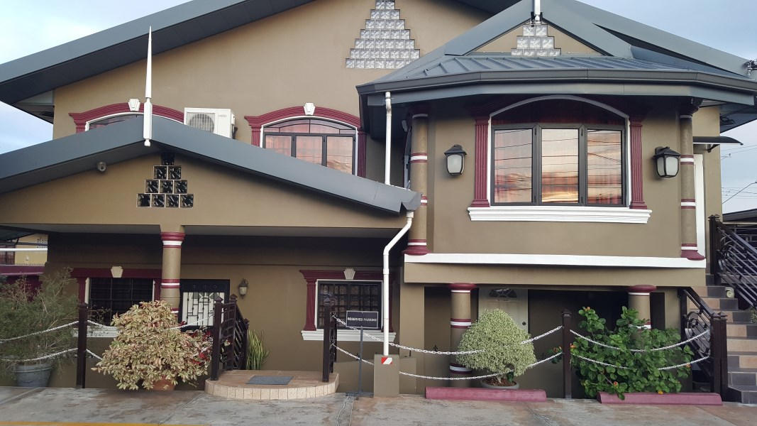 RE/MAX real estate, Trinidad and Tobago, Curepe, One Bedroom Furnished Apartment - Curepe