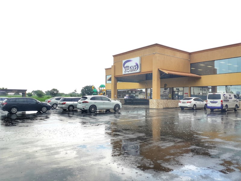 RE/MAX real estate, Trinidad and Tobago, Madras Settlement, Pharmacy, Fast food, Bakery, Beauty Spa spaces at St. Helena Mall with Supermarket