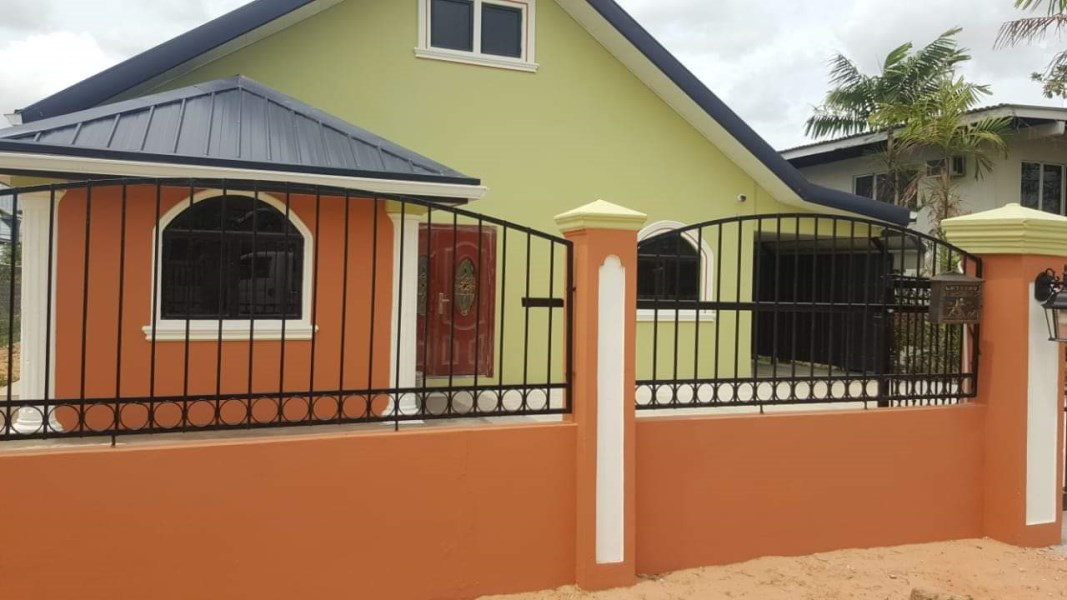 RE/MAX real estate, Trinidad and Tobago, San Fernando, Gulf View, 3 Bedroom, 3 Bath Unfurnished House with Pool For Sale