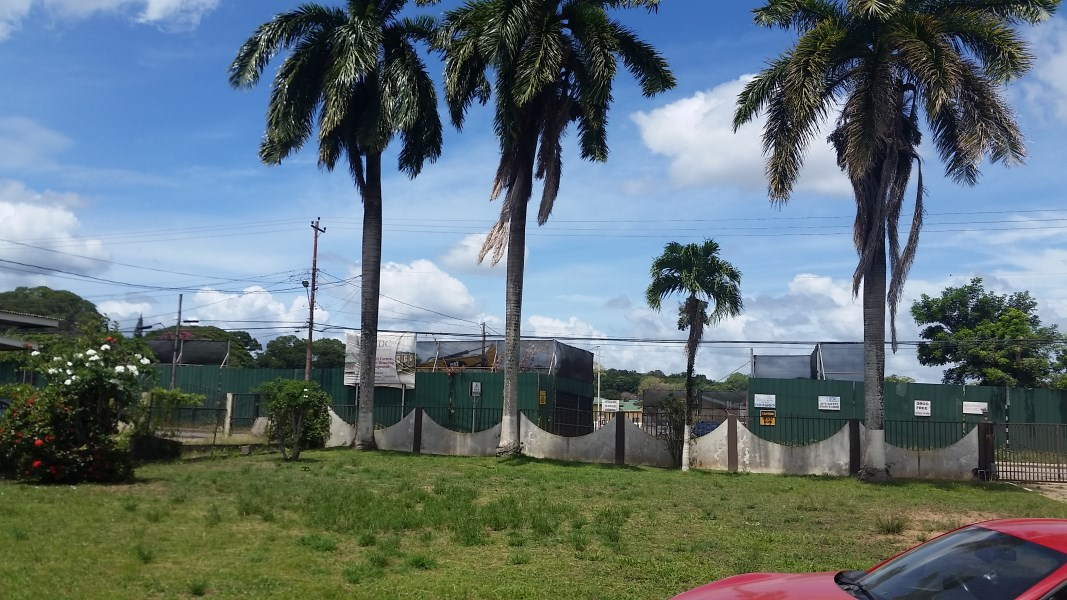 RE/MAX real estate, Trinidad and Tobago, Arima, Huge Commercial property with lots of parking space