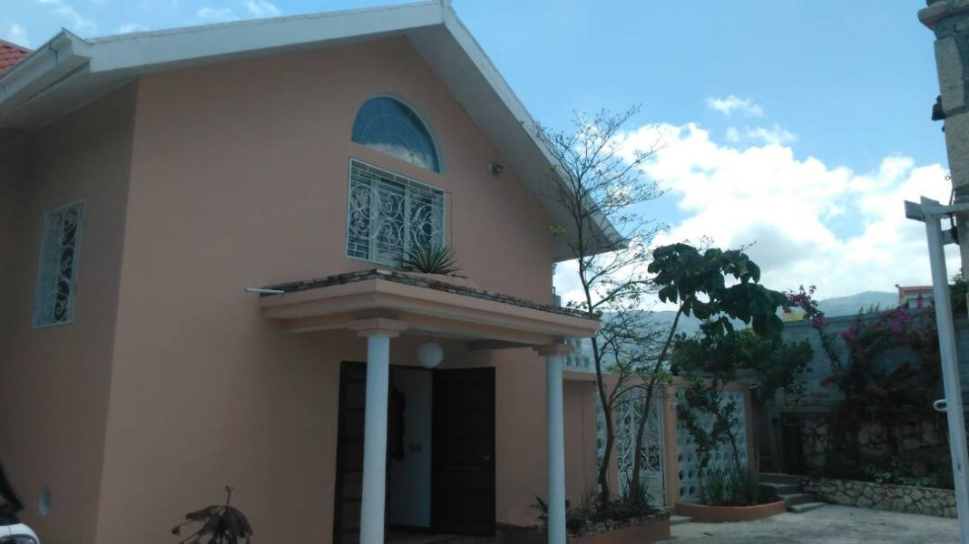 RE/MAX real estate, Haiti, Port-au-Prince - Petionville, Great Property for Sale in Vivy Mitchel