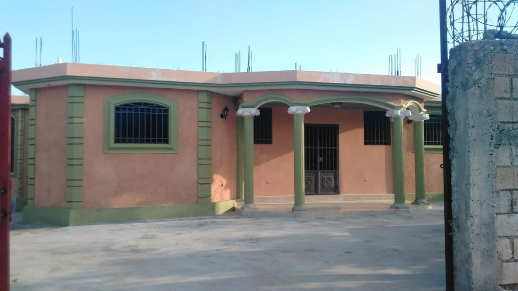 RE/MAX real estate, Haiti, Port-au-Prince - Gressier, Nice House For Sale in Gressier. Haiti