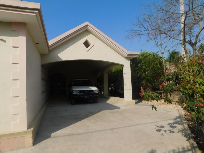 RE/MAX real estate, Haiti, Achien, Beautiful One Family  House for sale delmas 33, Haiti