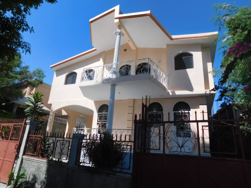 RE/MAX real estate, Haiti, Port-au-Prince - Petionville, Beautifull House For Rent in Bellevue, Freres, Haiti