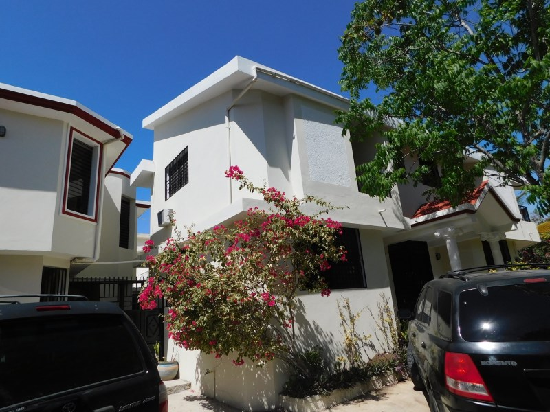 RE/MAX real estate, Haiti, Port-au-Prince - Deimas, Nice House for Sale Delmas 75, Catalpa 8, haiti