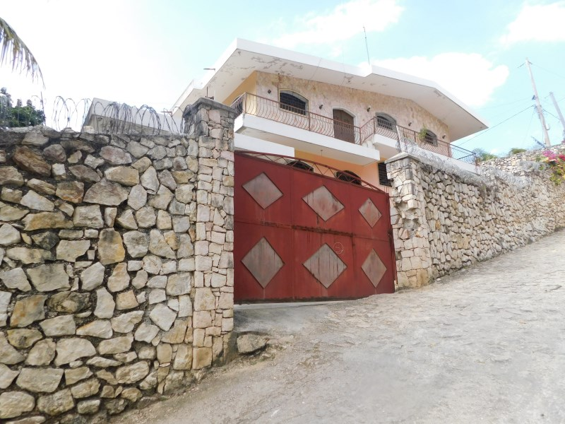 RE/MAX real estate, Haiti, Port-au-Prince - Kenscoff, Two-Appartment House For Rent In Thomassin 32