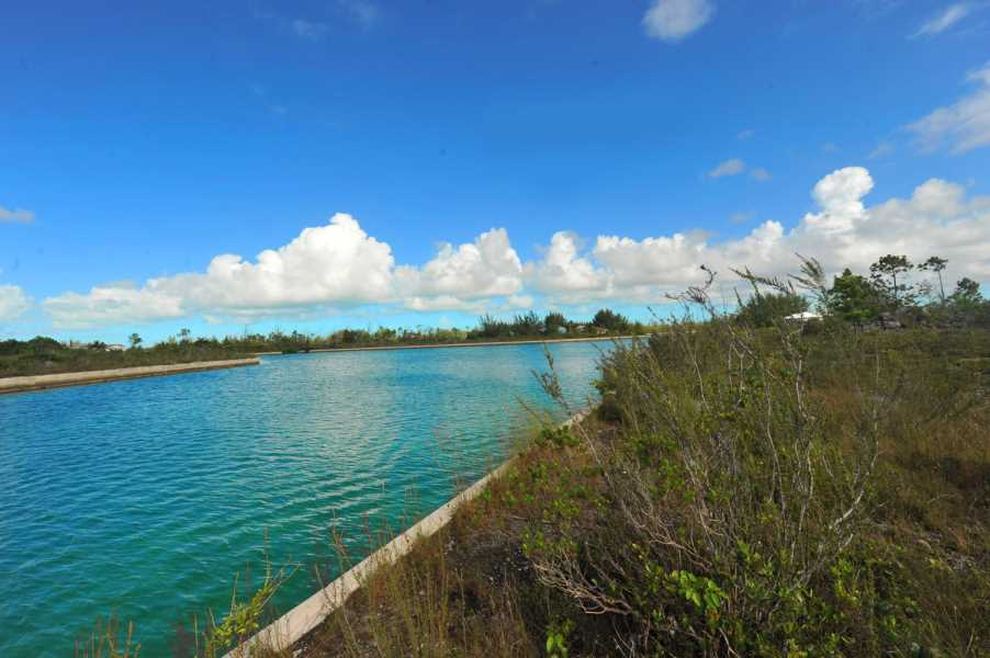 RE/MAX real estate, Bahamas, Lucaya, CANNON BAY  FOUR ACRE 800 FT OF CANAL FRONTAGE