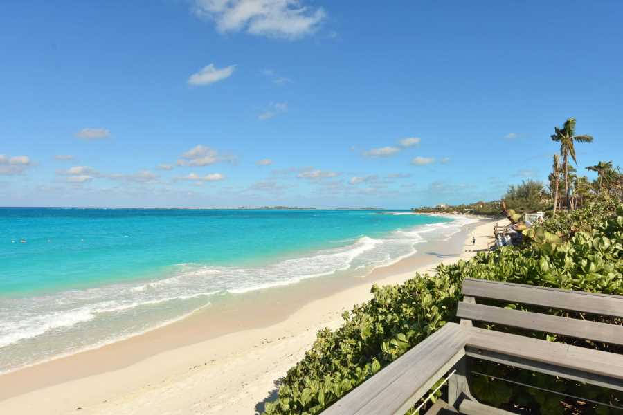 RE/MAX real estate, Bahamas, Nassau, PARADISE ISLAND- BEACHFRONT THREE BEDROOM